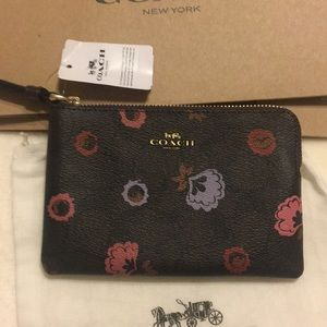 Coach Wristlet NWT's includes dust bag & gift box